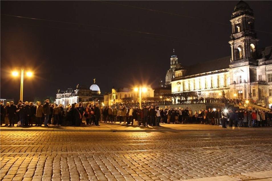 11.000 Menschen nahmen laut Angaben der Stadt Dresden teil.