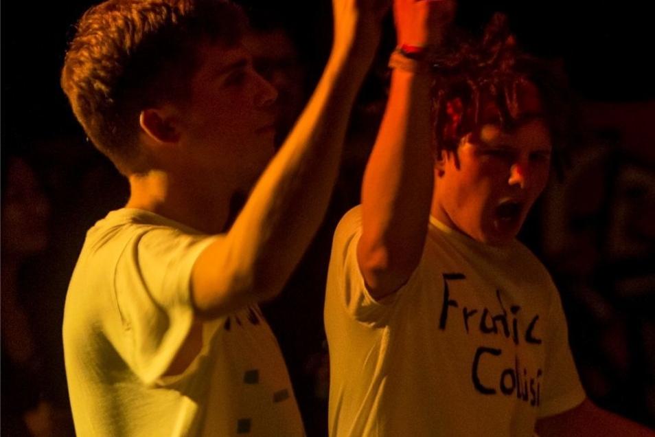 Fans der Band FranticCollision tanzten ausgelassen in den Coßmannsdorfer Ballsälen.