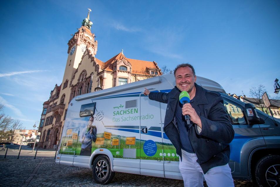 Silvio Zschage vom MDR-Sachsenradio hat am Montagfrüh vom Waldheimer Markt gesendet.