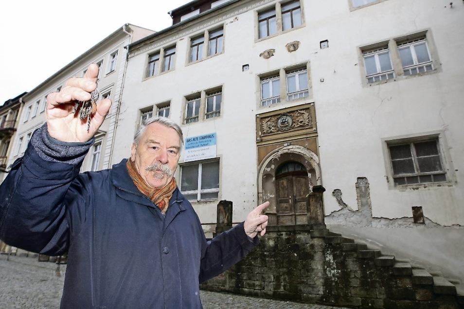 """Fritz Reimann war Vorsitzender der Gesellschaft Historischer Neumarkt in Dresden und bemühte sich um die Sanierung des Kurländer Palais. Das """"Alte Stadthaus"""" in Bad Schandau ist das jüngste Projekt des 72-Jährigen."""