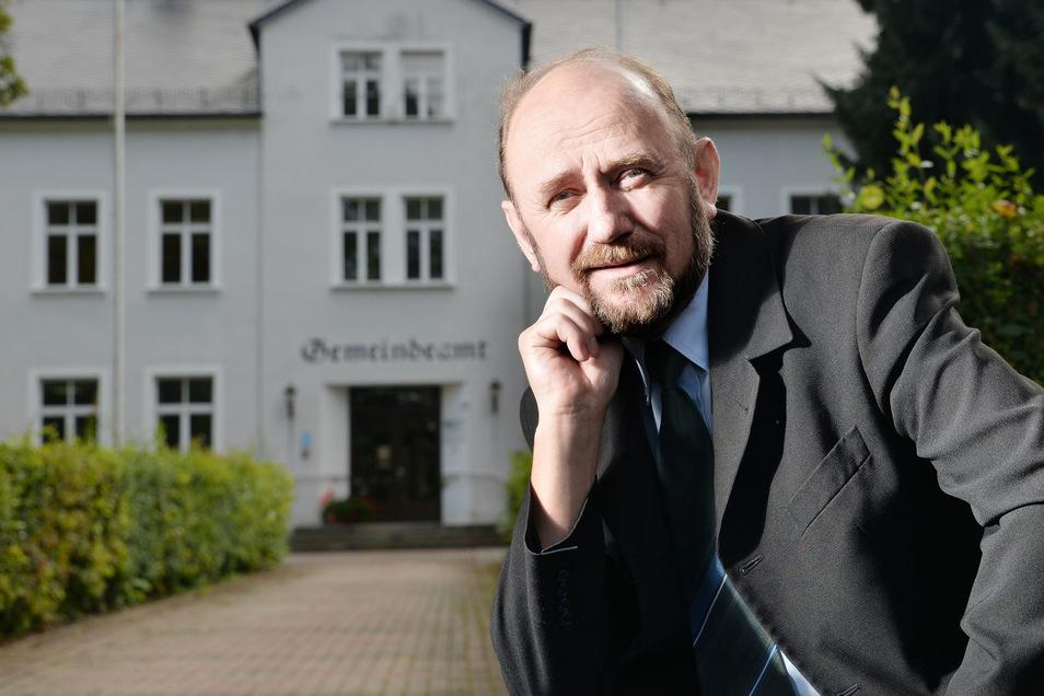 Bürgermeister Frank Lehmann hat einem Beschluss des Gemeinderates widersprochen.