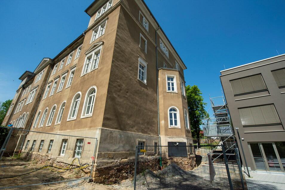 Eine der aufwendigsten Investitionen der Stadt Radebeul ist derzeit die Sanierung und Modernisierung des Gymnasiums Luisenstift.