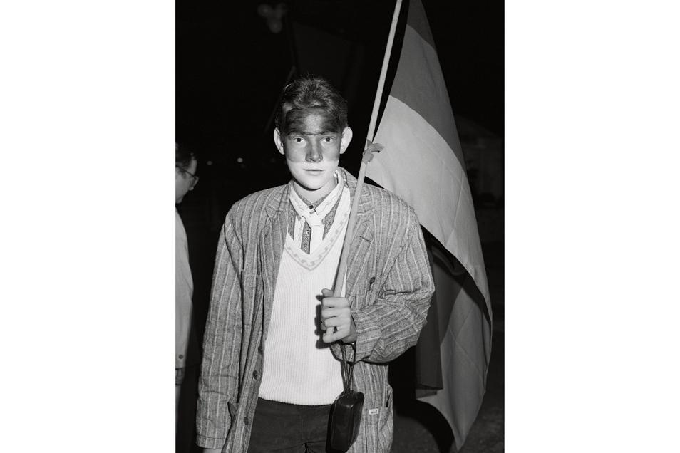 """Ein Porträt aus der Fotoserie """"Wiedervereinigung"""" von Andreas Rost, die das Dresdner Kupferstich-Kabinett erstmalig zeigt und die in diesem Jahr eine zentrale Erwerbung für die Sammlung sein wird."""