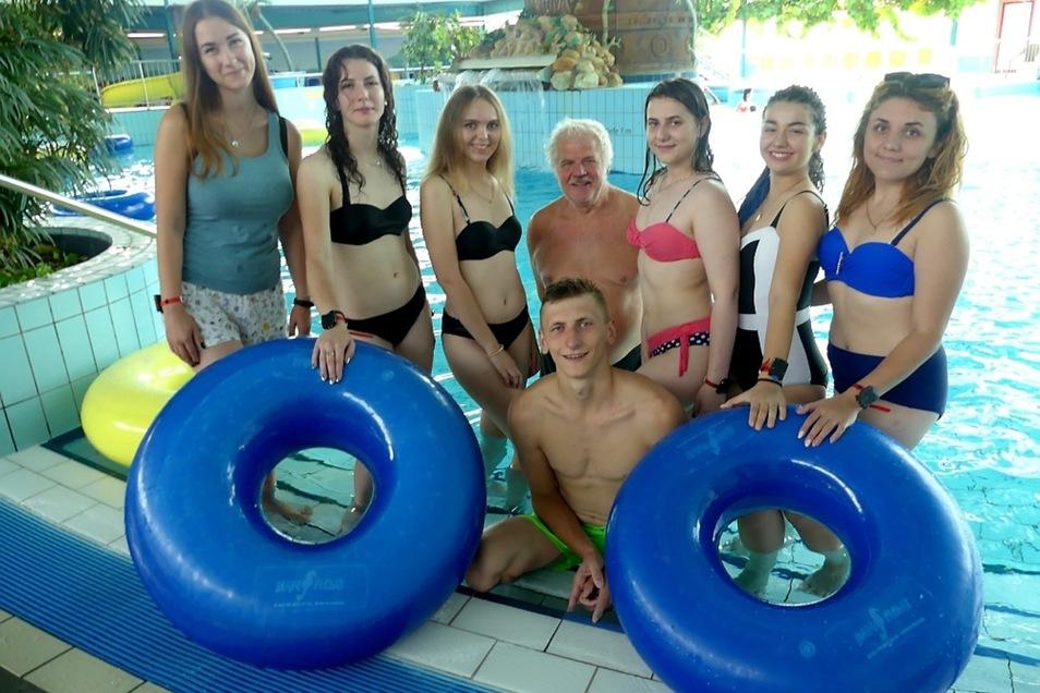 """Auch das Lausitzbad gehört bereits das fünfte Jahr zum Kreis der zuverlässigen Sponsoren des Vereins """"Hilfe für die Kinder von Tschernobyl""""."""