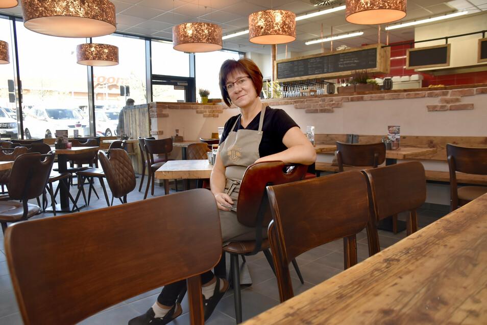 Kathrin Hauke betreibt die Ziegel-Wirtschaft. Richtig öffnen darf sie wegen Corona nicht. Sie bietet aber Speisen zu Mitnehmen an.