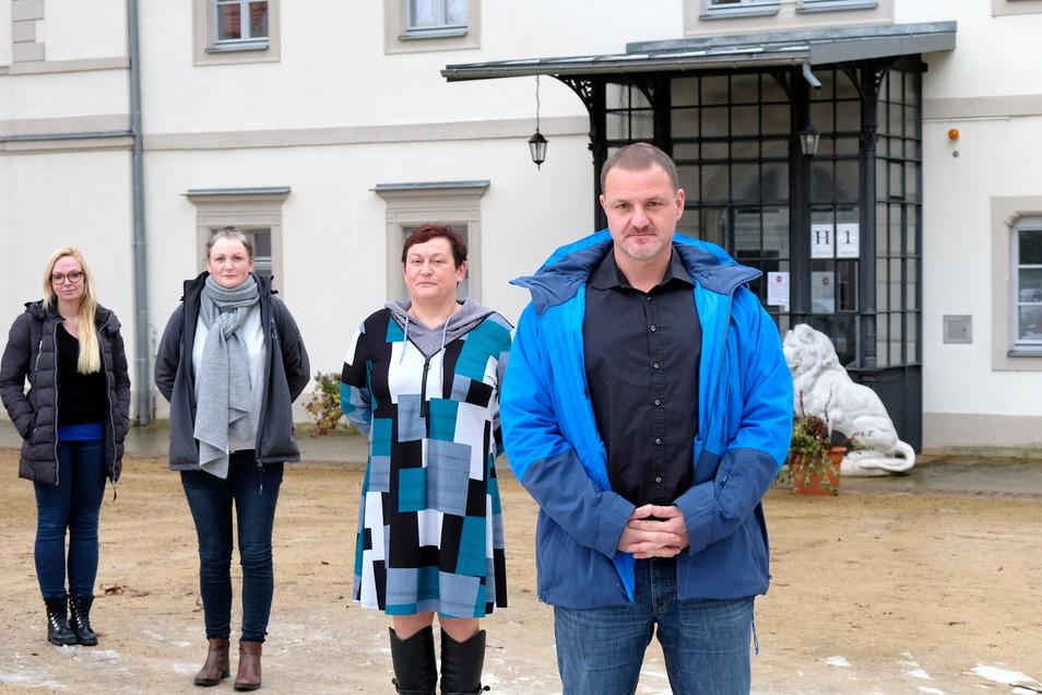 Sie sorgen dafür, dass die ambulante Pflege und das betreute Wohnen trotz Corona weitergeht: Katrin Däbler (von links), Pflegedienstleiterin Sabine Wendler, Peggy Trauzold und Oliver Leonhardt.