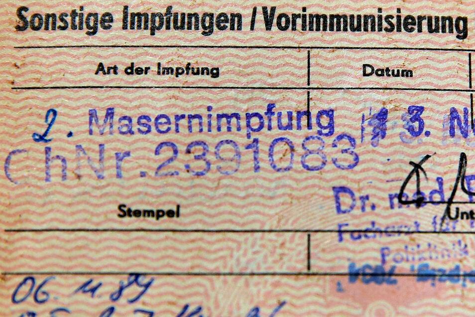 Ein Impfausweis aus DDR-Zeiten