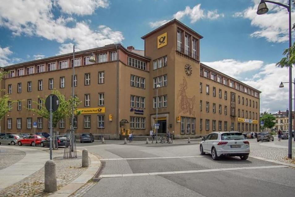 Am Postplatz in Bautzen sind wegen der Bauarbeiten Parkplätze gesperrt.