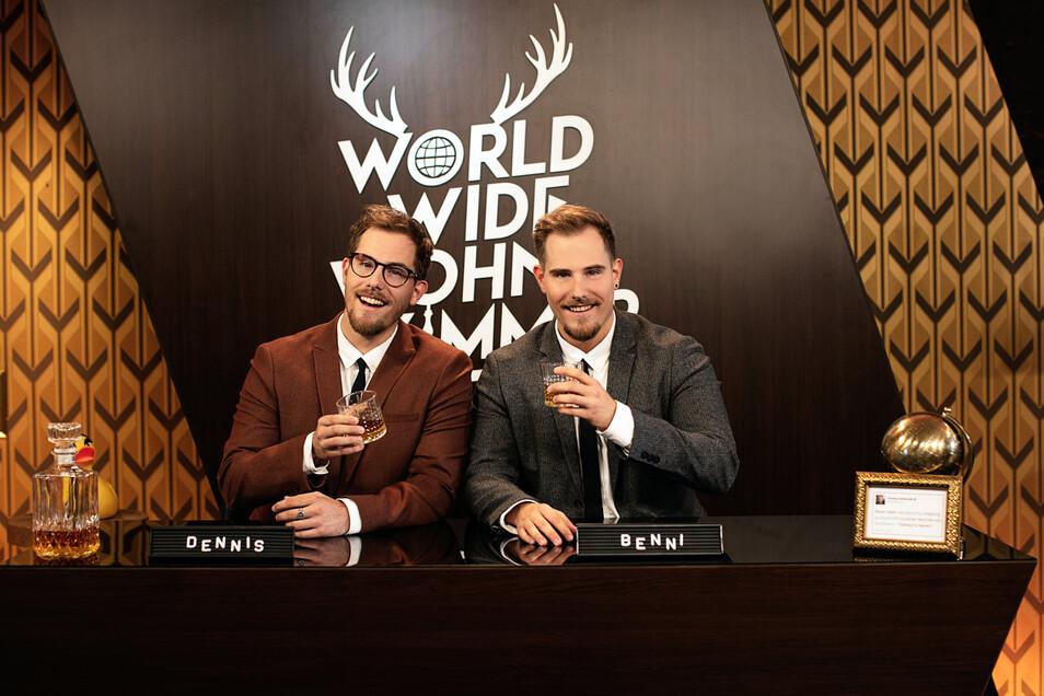"""Die Zwillinge Dennis und Benjamin """"Benni"""" Wolter vom YouTube-Kanal """"World Wide Wohnzimmer""""haben die zehn Teilnehmer aus 40 Beiträgen gewählt."""