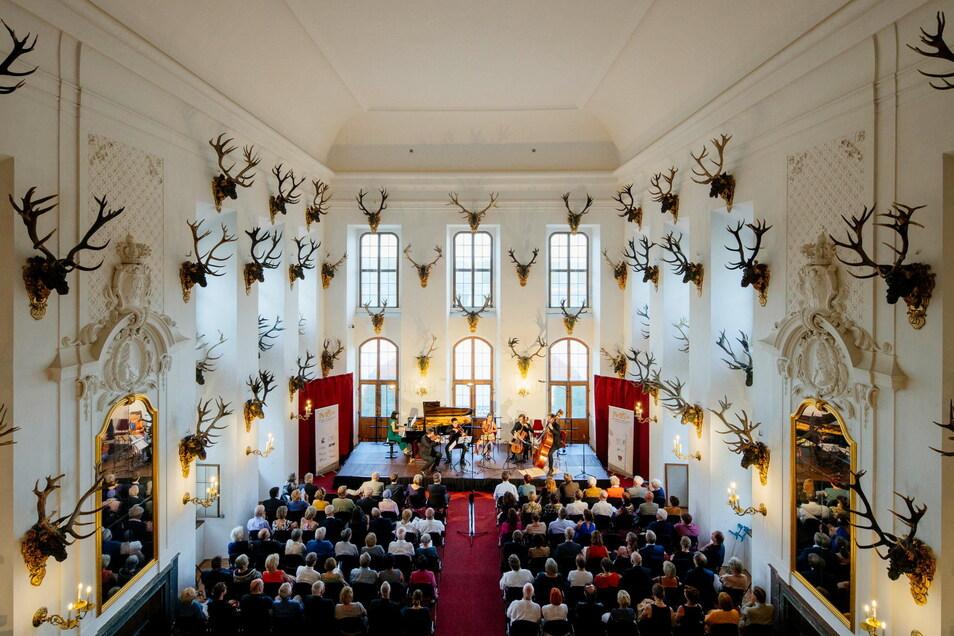 Konzert im prächtigen Speisesaal des Schlosses, wie hier zur Festival-Eröffnung 2019, wird es vorerst nicht mehr geben.