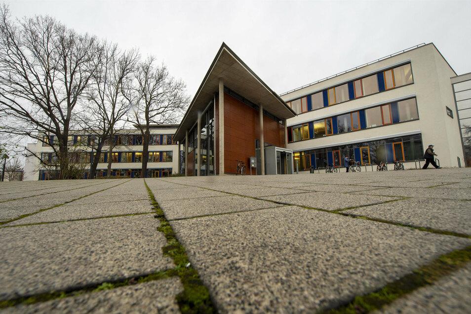 Für den Besuch des Coswiger Rathauses gelten ab 2. November coronabedingt neue Reglungen.