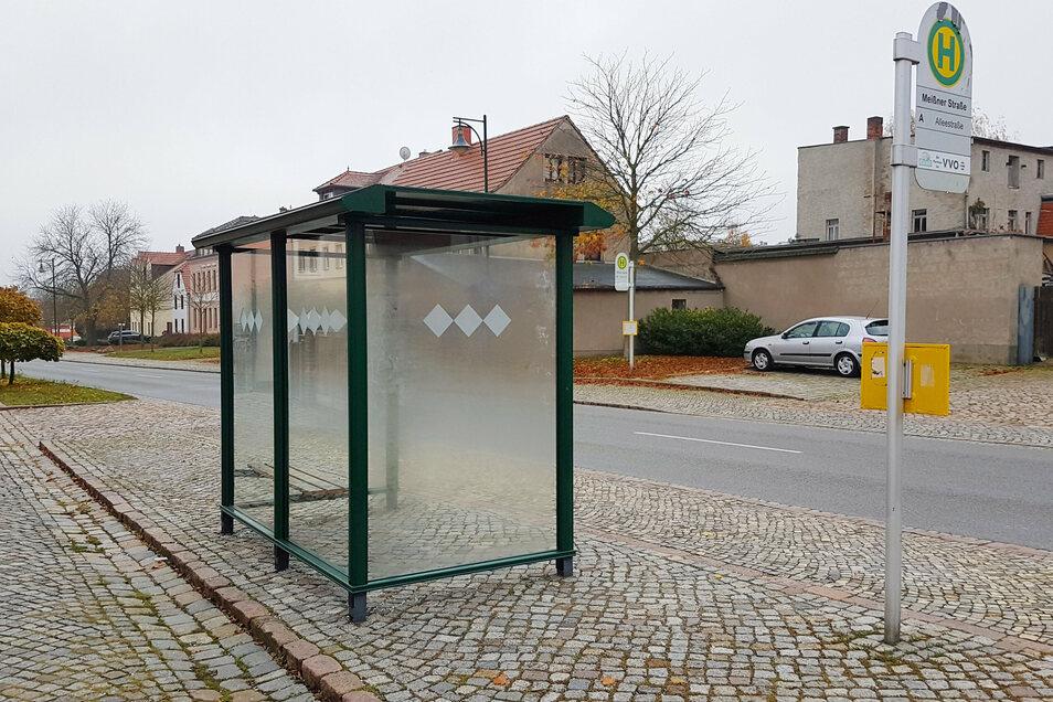 Die kürzlich reparierte Buswartehalle an der Meißner Straße: Eine von mehreren im Stadtgebiet, die beschädigt worden war.