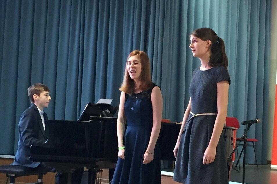 Hannes Ludwig (l.) und Maria Pfister (r.) haben auch in diesem Jahr wieder an Jugend musiziert teilgenommen, doch diesmal war alles anders als 2019, als das Foto entstand.