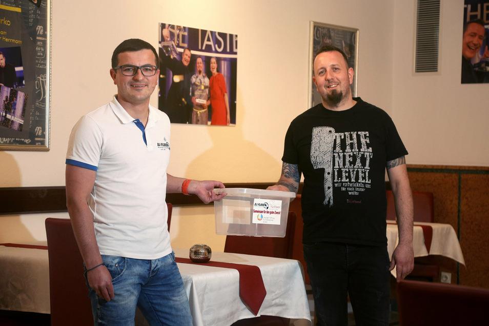 DJ Florian Philipp aus Riesa und Marko Ullrich vom Kochtempel in Stauchitz haben eine Aktion zugunsten krebskranker Kinder gestartet. Am Wochenende wird in Oschatz für die Kinder gesammelt.