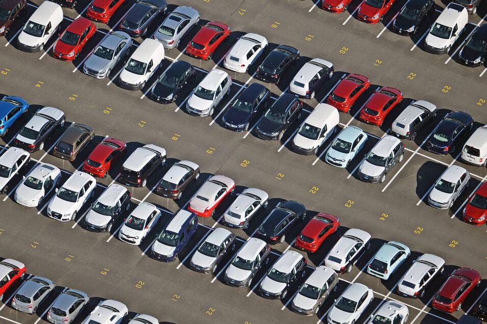 Im April 2020 wurden kaum Autos oder Wohnmobile aus Sachsen an sonst bedeutende Abnehmer wie die USA oder das Vereinigte Königreich exportiert.