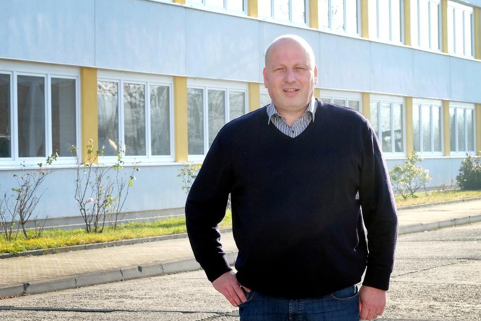 Kabelwerk-Chef Lars Balzer beschreibt die Haltung der Geschäftsführung als zögerlich. Man hätte sich gesorgt, dass die Gewerkschaft überzogene Forderungen stellt.