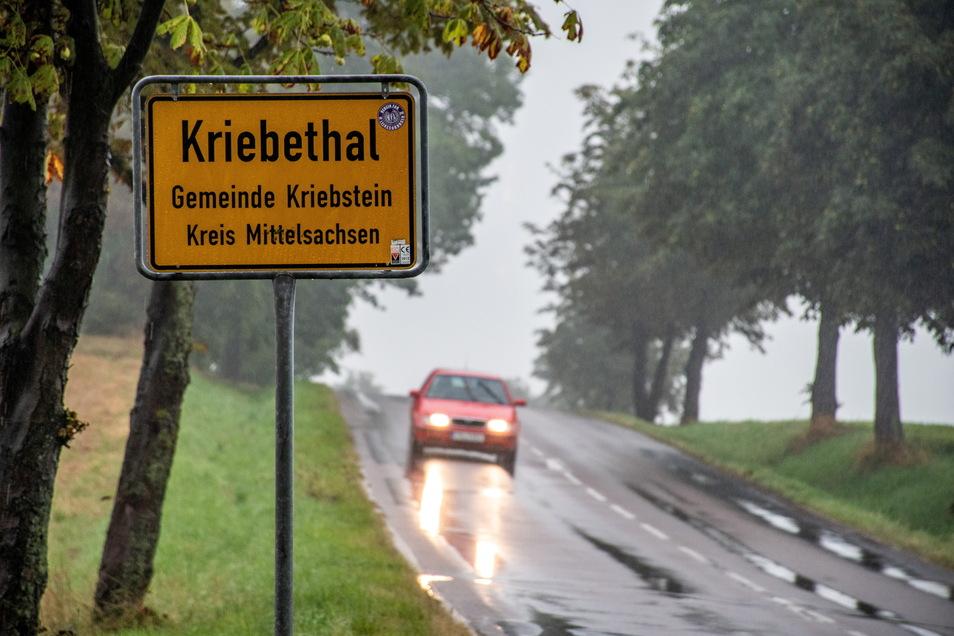 Aus Hartha in Richtung Waldheim kommend, stand als Ortsausgang das Schild von Kriebethal.