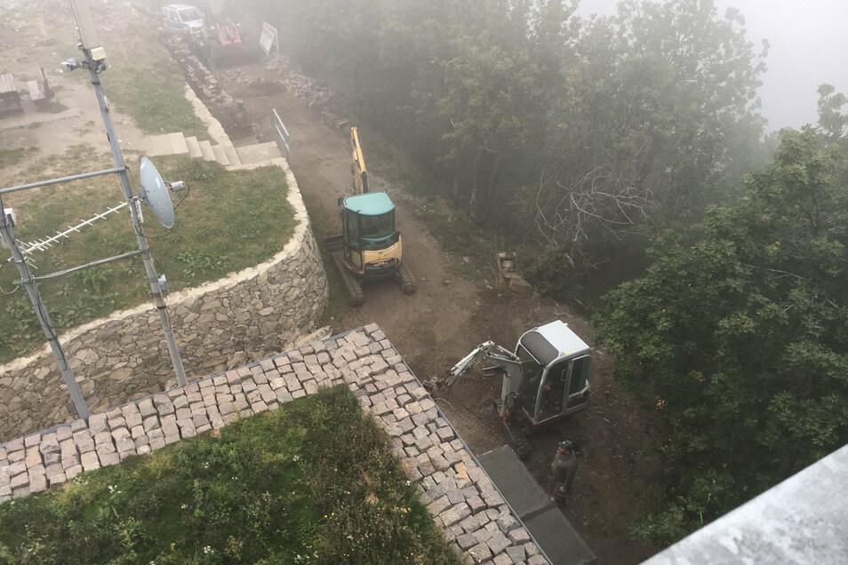 Wegen den Arbeiten am Treppenzugang wird der Aussichtsturm auf der Lausche kurz gesperrt.