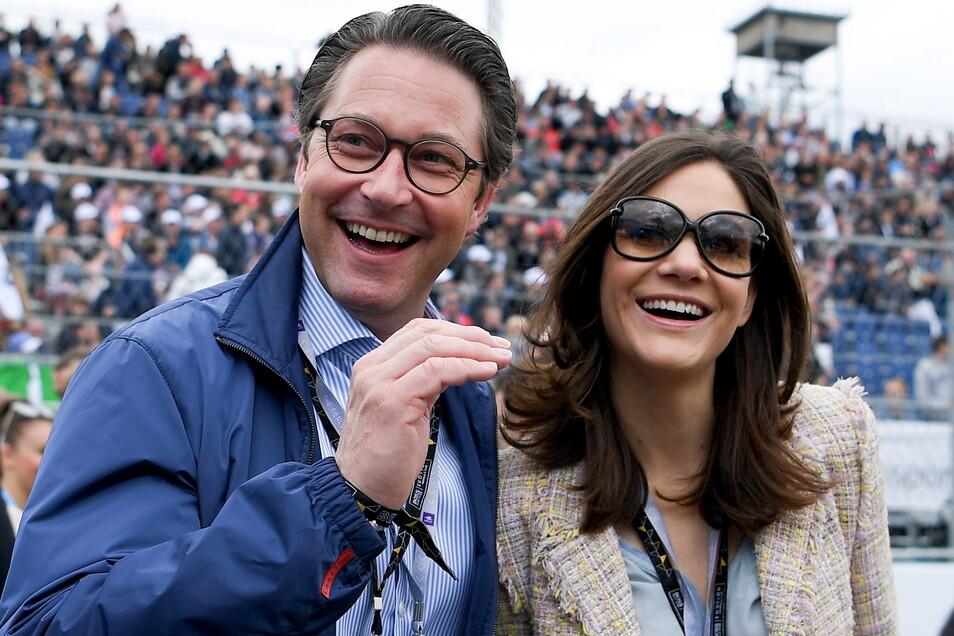 Andreas Scheuer (CSU), Bundesverkehrsminister, hat seine Lebensgefährtin Julia Reuss geheiratet.