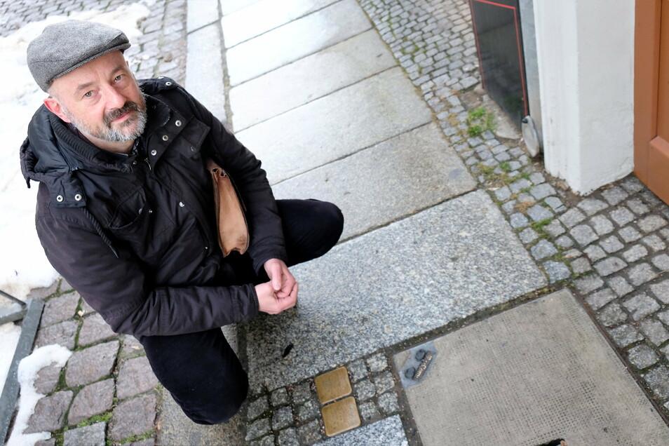 """""""Die Ostdeutschen sind in der Diktatur sozialisiert. Opfer von Frau Honecker, die sie zur Unfähigkeit erzogen hat"""", sagt der Meißner Pfarrer Bernd Oehler."""
