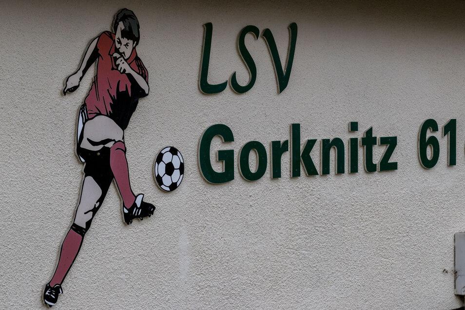 Die Gorknitzer Fußballer werden künftig auch zu Gärtnern.