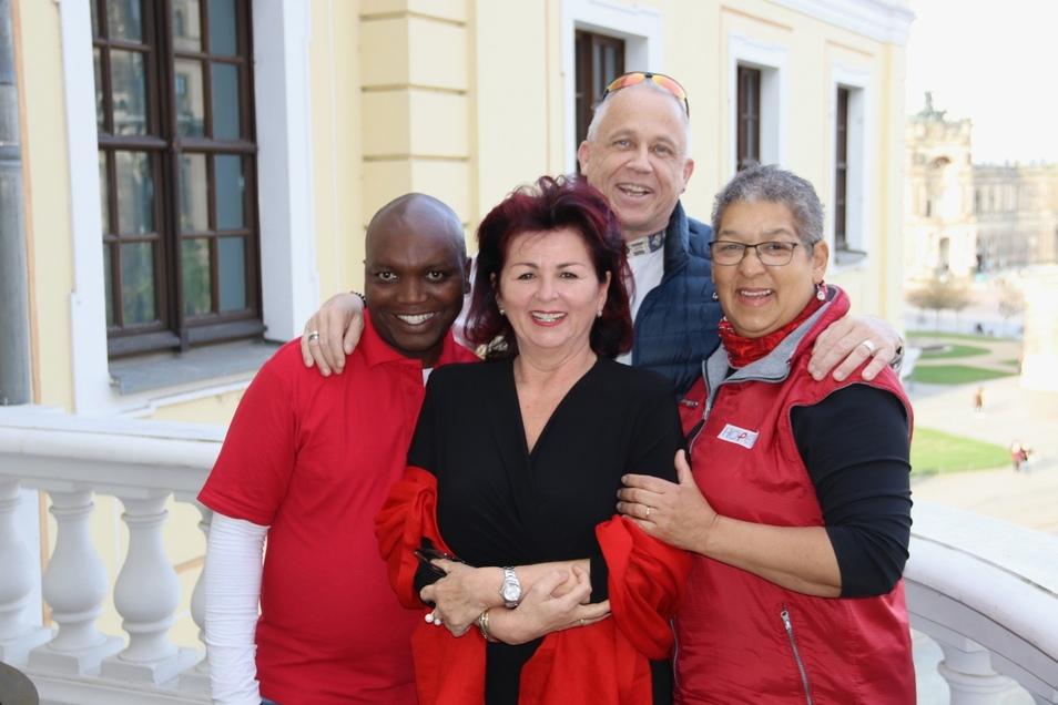 Gesichter der Hoffnung: Bonga Zantsi (Gesundheitsarbeiter), Viola Klein (Initiatorin der Hope-Gala), Stefan Hippler (Gründer von Hope) und Pauline Jooste (Krankenschwester).