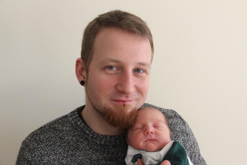 Kai Geboren am 24. Januar Geburtsort Bautzen Gewicht 3.170 Gramm Größe 49 Zentimeter Eltern Sophie-Christin und Christian Köhler Wohnort Demitz-Thumitz
