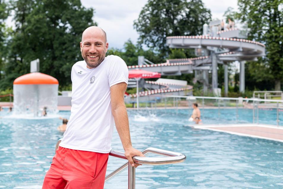 Der Schwimmmeister, der fast wo ganz anders gelernt hätte und jetzt auch DLRG-Vorsitzender in Heidenau ist: Christoph Halle.