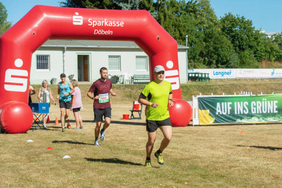 Immer schön mit Abstand: Alle paar Sekunden sind die Läufer einzeln auf die Strecke geschickt worden.