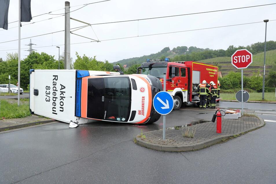 Zur genauen Unfallursache ermittelt die Polizei noch.
