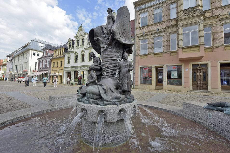 Rund um den Stiefelbrunnen wird es kunstvoll.