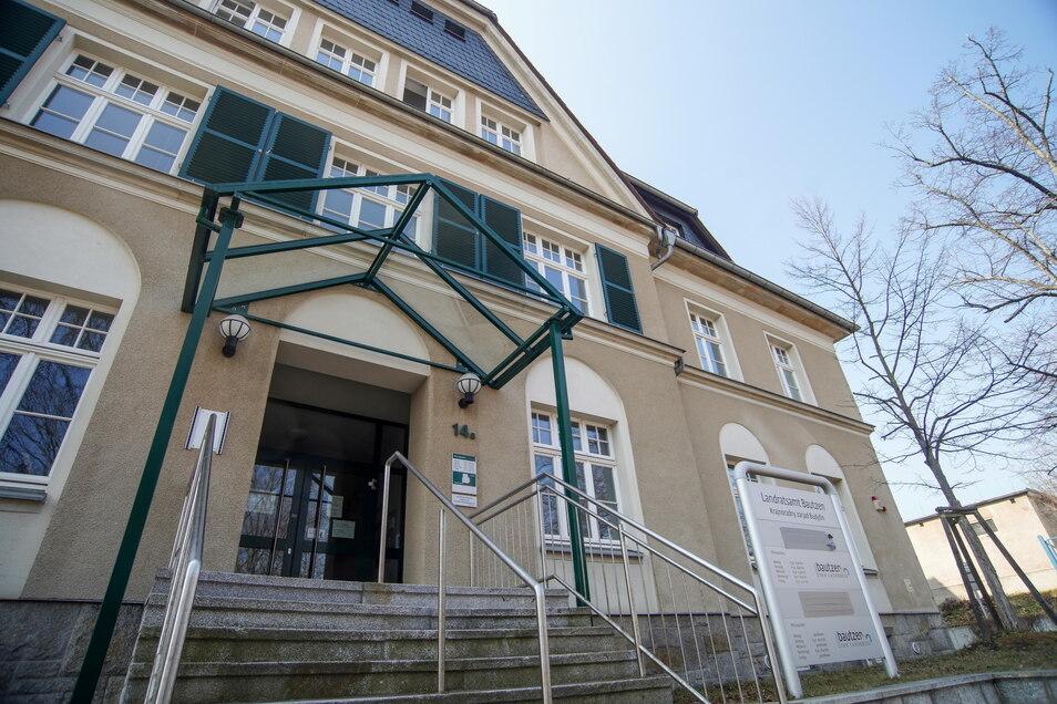 Im ehemaligen Straßenverkehrsamt an der Tzschirnerstraße in Bautzen soll einmal die Kreismusikschule ein neues Domizil finden. Der Landkreis will das Gebäude für 6,8 Millionen Euro umbauen.
