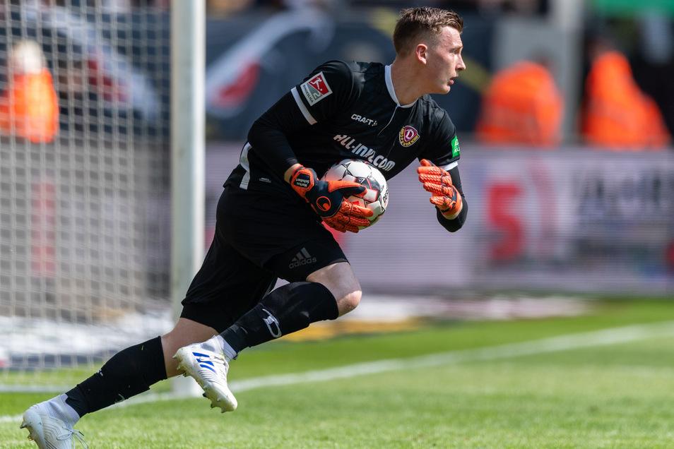 Dynamos Noch-Torwart Markus Schubert heizt die Gerüchteküche an. Nun soll Schalke 04 der Favorit sein.