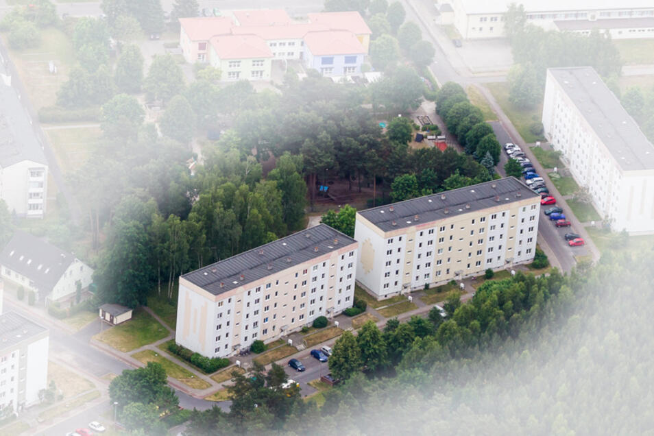 """Diese beiden Gebäude gehören zum künftigen """"Betreuungszentrum Fritz-Kube-Ring in Bernsdorf""""."""