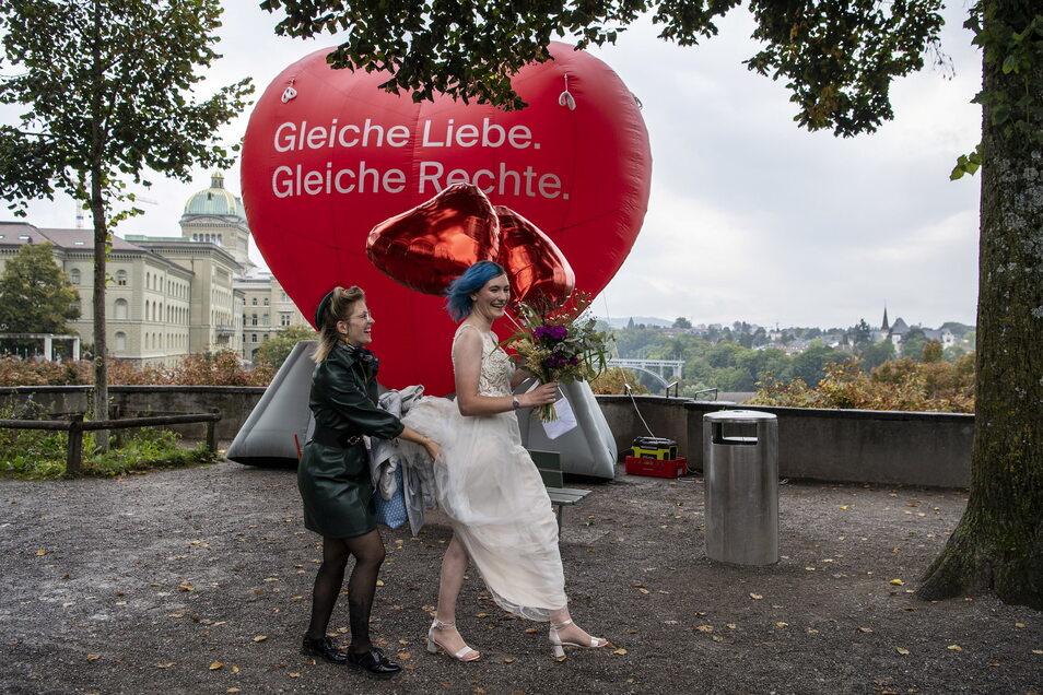 Als eines der Schlusslichter in Westeuropa erlaubt die Schweiz nun auch die «Ehe für alle».