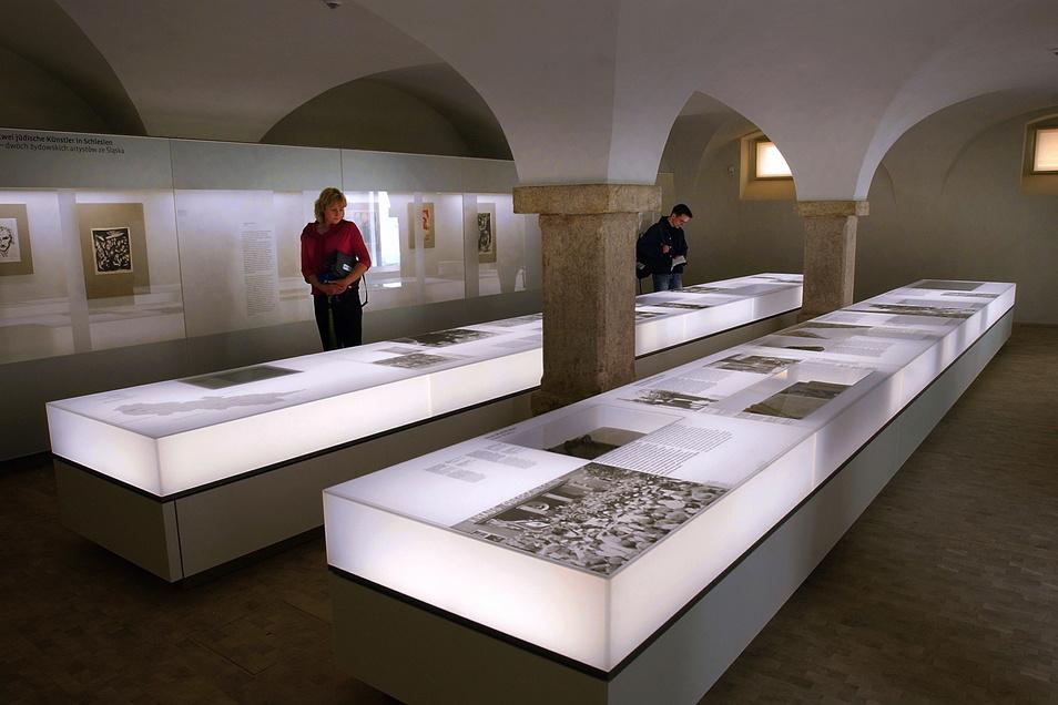 Schlesiens Geschichte vom Mittelalter bis 1945, bald auch bis 1989, präsentiert das Schlesische Museum. Dass hier keine Politik betrieben wird, sondern Schlesien als Region kulturellen Austausches und Miteinanders gezeigt wird, sorgte für Anerkennung des