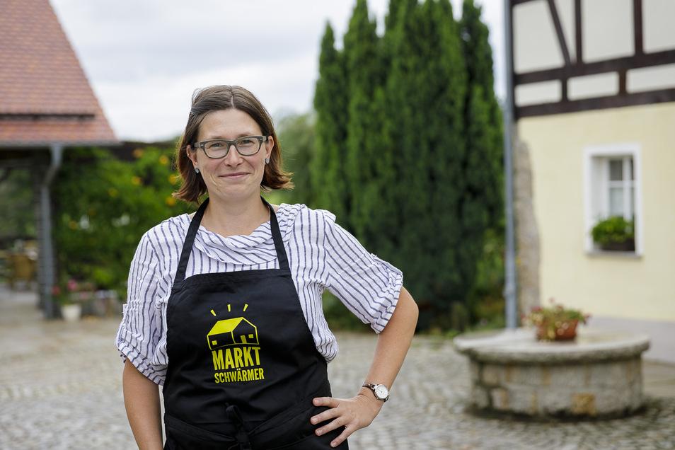 Anne Ritter-Hahn kommt aus Melaune. Sie bringt Lebensmittelproduzenten aus der Region wie die Arnsdorfer Gärtnerei Jung, die Brotschmiede aus Görlitz, den Lindenhof in Pfaffendorf, die Mühle in Rennersdorf und weitere zusammen.
