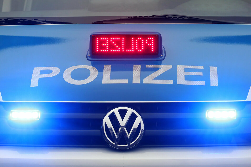 Polizei ermittelt gegen drei Jugendliche. Sie hatten mehrere Wahlplakate beschädigt.