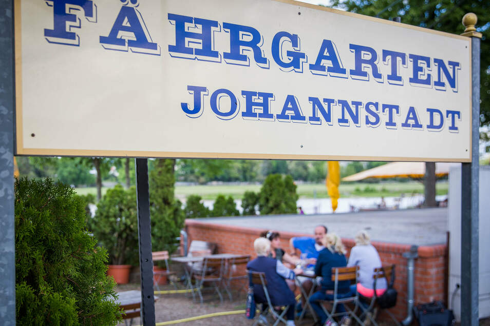Der Fährgarten Johannstadt ist einer von vielen Dresdner Biergärten, der sich auf den Ansturm am Herrentag gut vorbereitet hat. Mehrer Stände sollen etwa Warteschlangen verhindern.