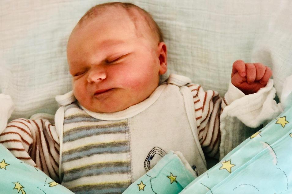 Finn, geboren am 23. Februar, Geburtsort: Kamenz, Gewicht: 4075 Gramm, Größe: 53 Zentimeter, Eltern: Kristin Füssel und Michael Hefke, Wohnort Königsbrück