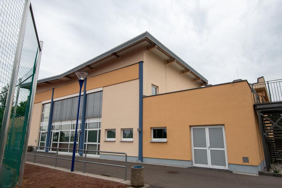 Die Sporthalle der Oberschule in Waldheim ist eine der wenigen Sportstätten der Region, in der aufgrund anderer Nutzung in der Corona-Krise noch kein Sport wieder getrieben werden kann.