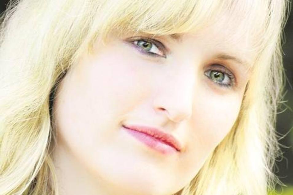 Schlagersternchen Anne Neubert will mit ihrer Musik bekannt werden. Foto: Aline Fischer-Korf