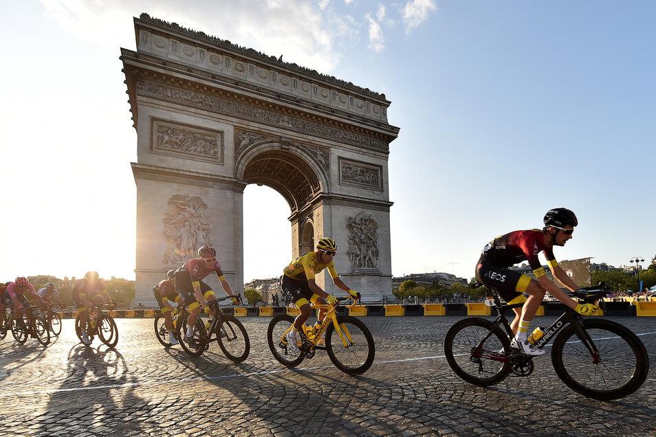 Die Verlegung der Tour sorgt für Engpässe im Terminkalender. So soll jetzt am letzten Tag der Tour, die wie immer in Paris endet, auch die Straßenrad-WM in der Schweiz beginnen.