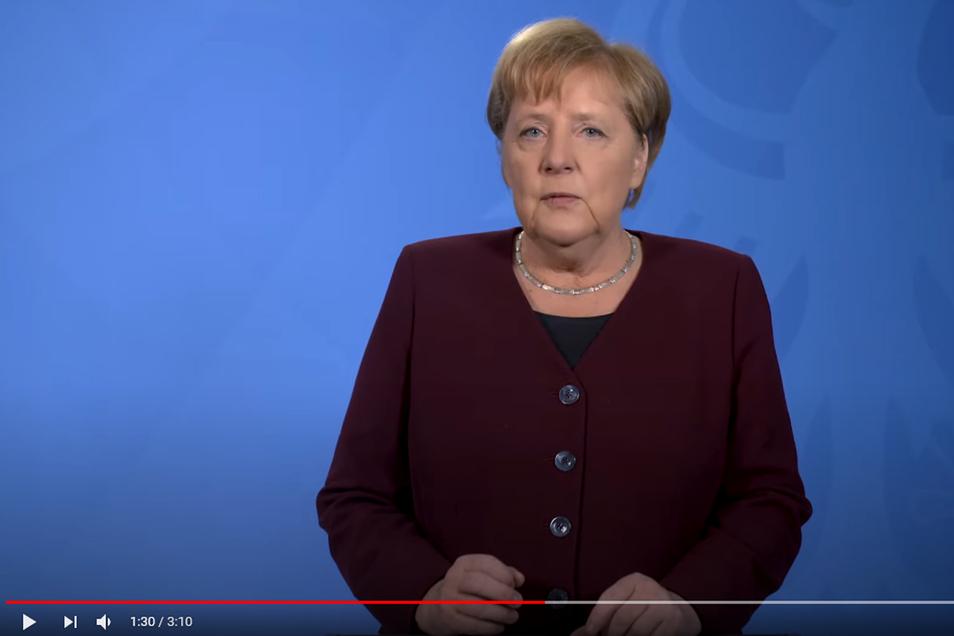 Angela Merkel hat ihren wöchentlichen Podcast der Pandemie gewidmet und an die Deutschen appelliert.