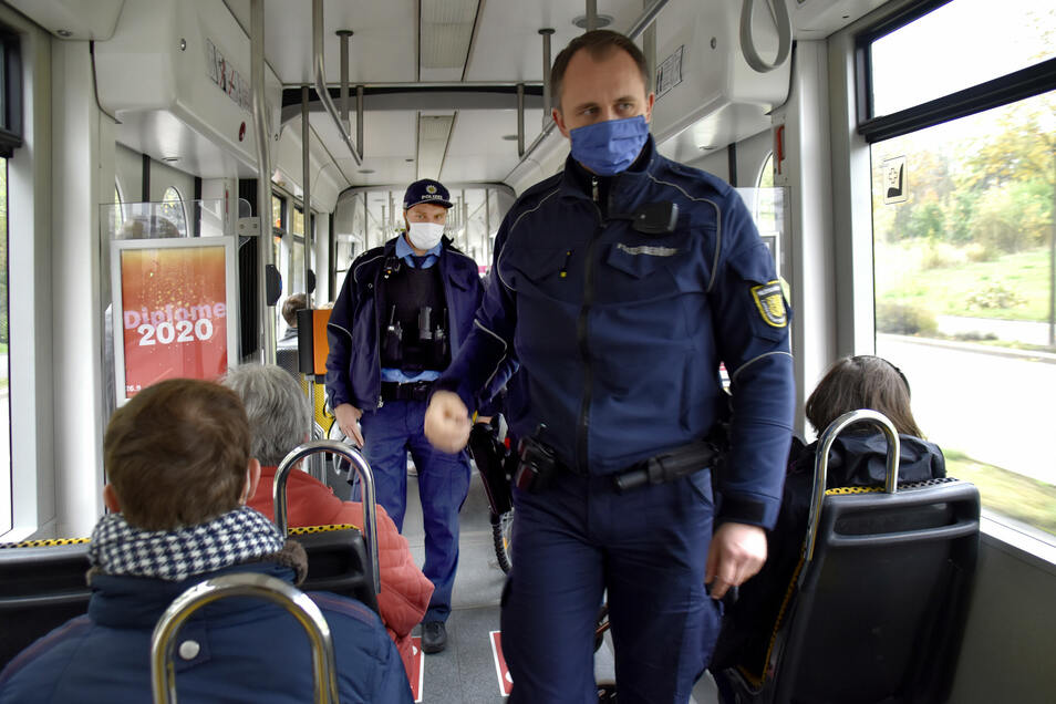Die gemeinsame Kontrolltour von Polizei und Ordnungsamt am Montag war eine Premiere.
