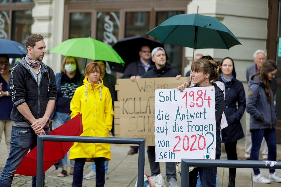 So fing es an: Protest gegen die Corona-Beschränkungen auf dem Görlitzer Postplatz im Mai vergangenen Jahres.
