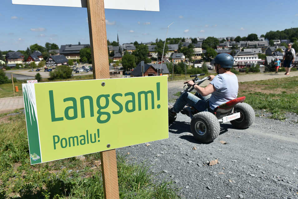 Auch mit Mountaincarts kann nun wieder am Skihang Altenberg gefahren werden.