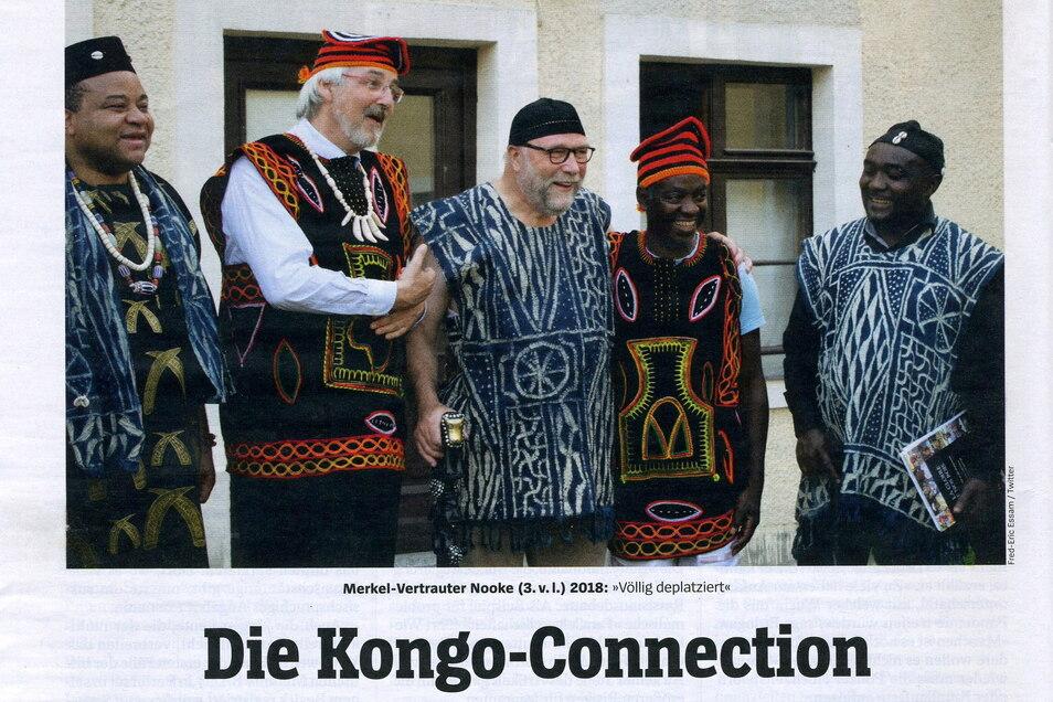 Hat mit Kongo nichts zu tun: Hochschulprofessor Matthias Theodor Vogt (2.vl.) mit dem Afrika-Beauftragten der Kanzlerin, Günter Nooke, und Würdenträgern aus Kamerun vor dem Gutshaus in Klingewalde. So berichtete der Spiegel.