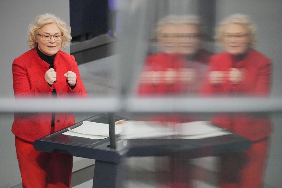Justizministerin Christine Lambrecht (SPD) am Donnerstag im Bundestag