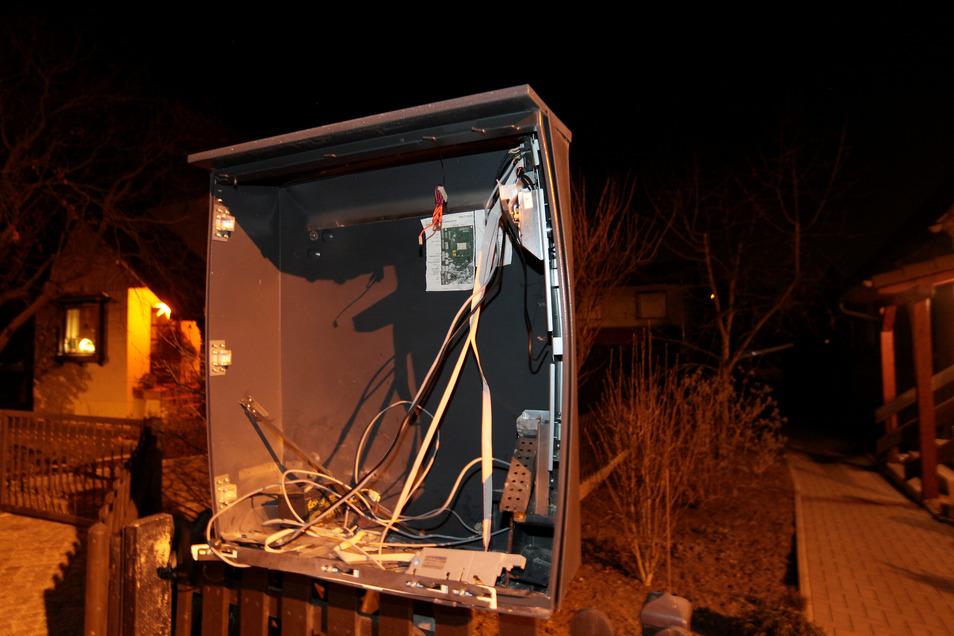 Bereits Anfang des Jahres wurde in Pirna ein Zigarettenautomat gesprengt. Jetzt haben Unbekannte in Sebnitz zugeschlagen.